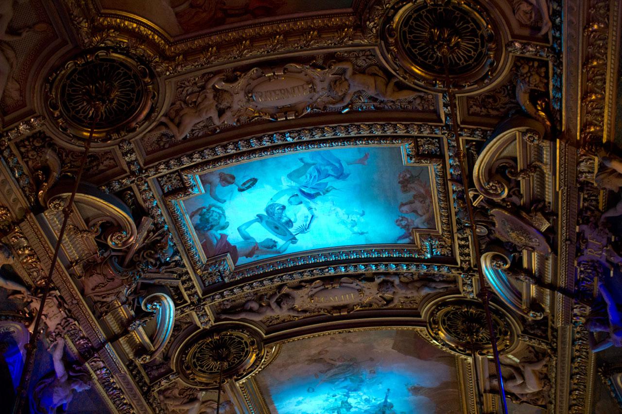 Les plafonds de l 39 h tel de ville de paris nul en photo - Hotel miroir plafond paris ...